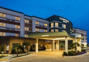 Courtyard by Marriott Image1