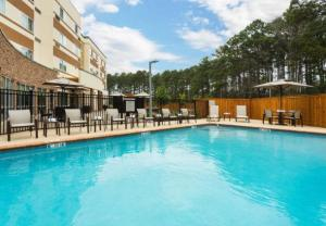 Courtyard by Marriott Image2