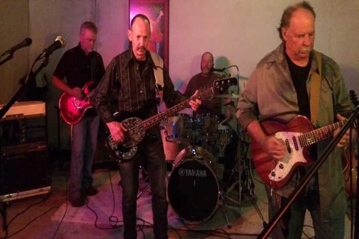 Richard Dieter and the Mistreaters: Live at The Back Bar